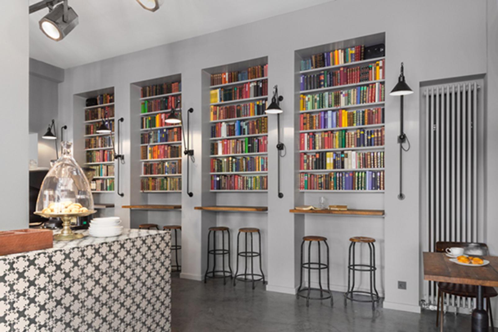 Buchhandlung wird Cocktailbar: Caparol